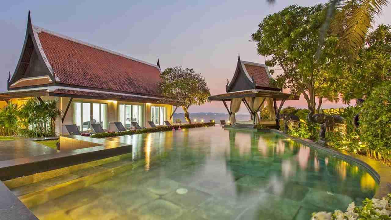 black swan villa in Pattaya