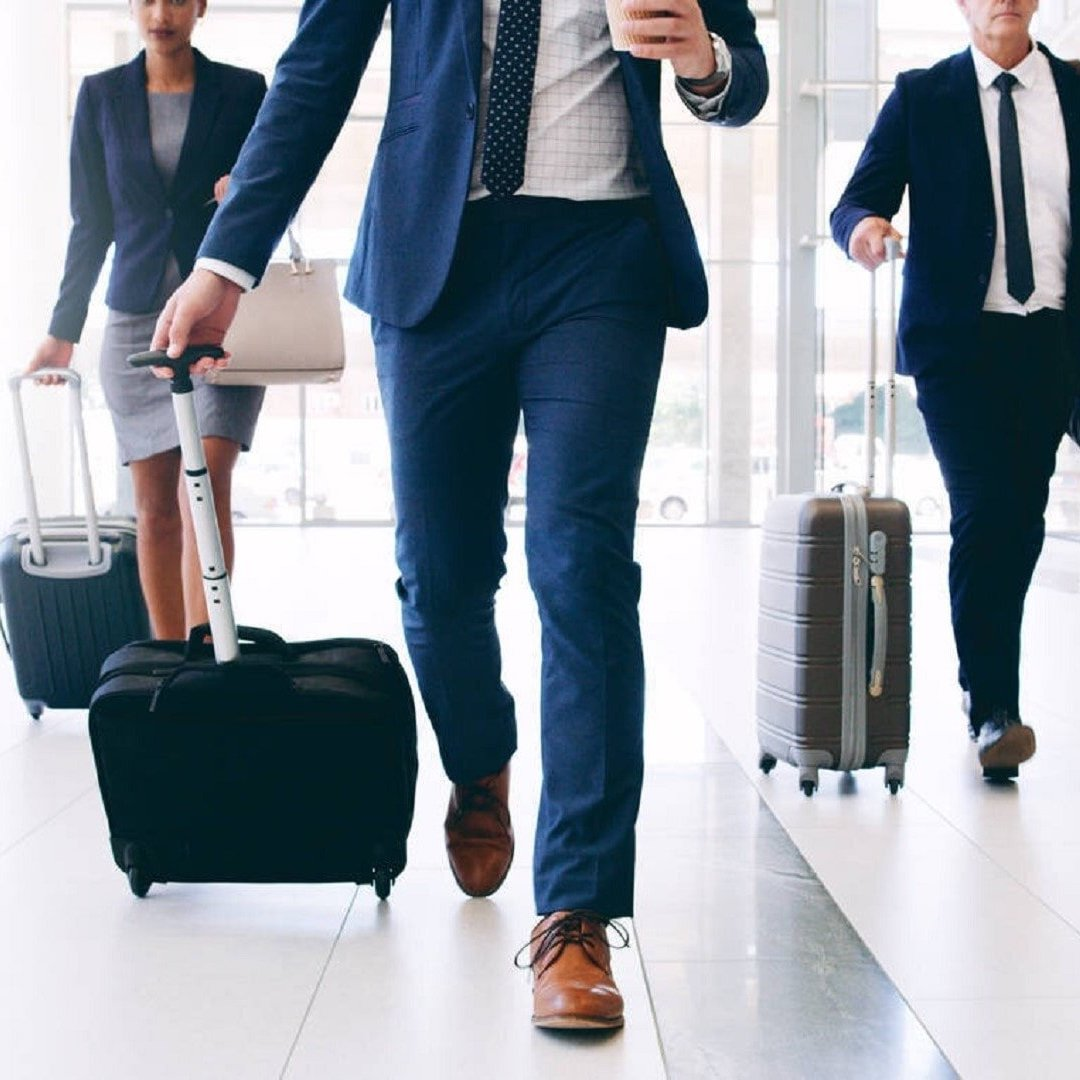 fast track service at the airport for businessmen and vip guests