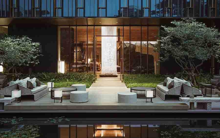 garden of the Kimpton Maa Lai luxury hotel in Bangkok