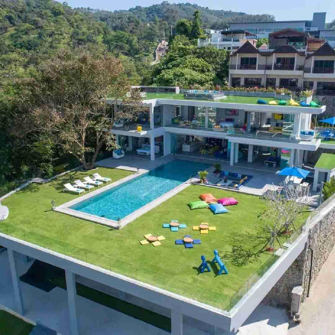 luxury pool villa Enjoy in Phuket Thailand