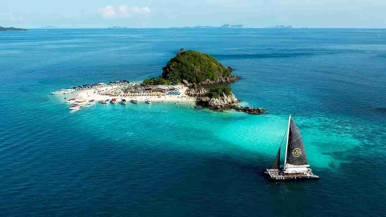 hype sailing boat in Phuket Thailand